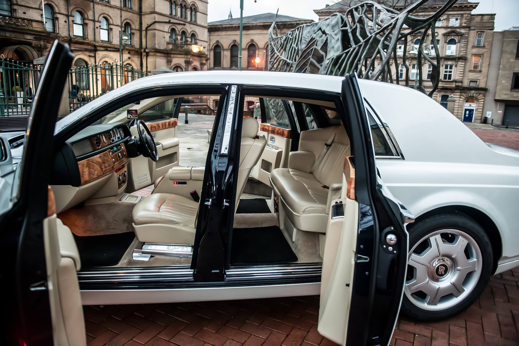 Platinum Rolls Royce Phantom Hire
